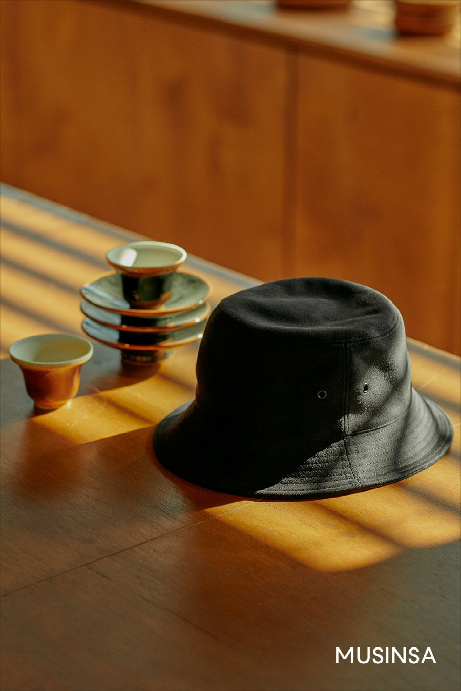 인사일런스(INSILENCE) [IN SILENCE X GEAR3] ULTRA SUEDE BUCKET HAT (black)