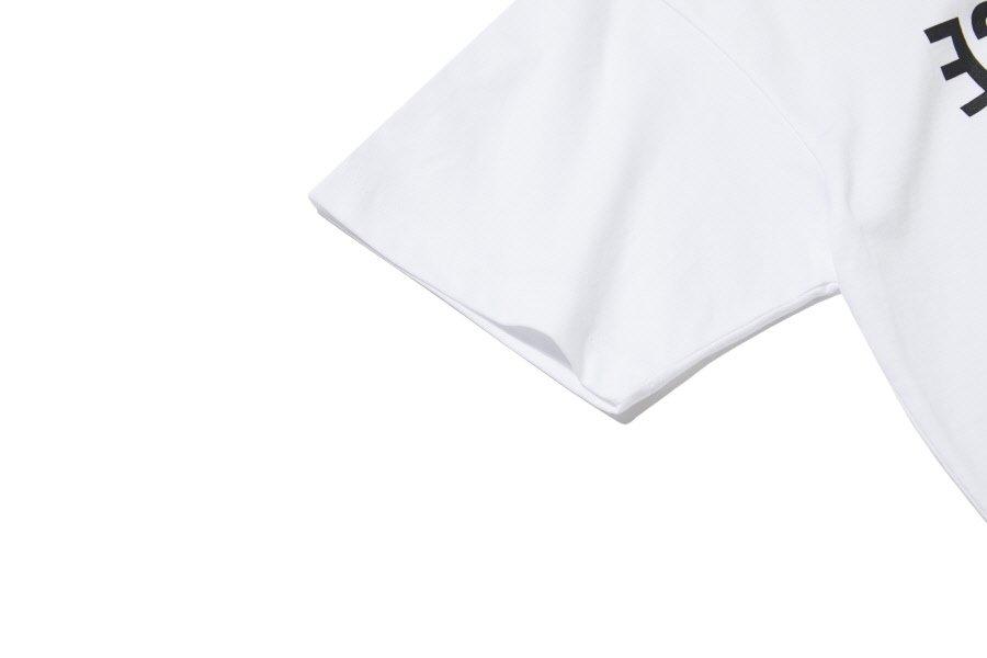 인사일런스(IN SILENCE) 리버스 로고 티셔츠 WHITE