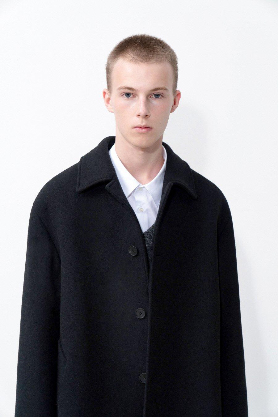 인사일런스(IN SILENCE) 오버사이즈 발마칸 코트 BLACK