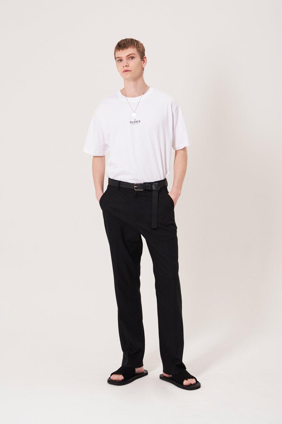 인사일런스(IN SILENCE) 스튜디오 로고 티셔츠 WHITE