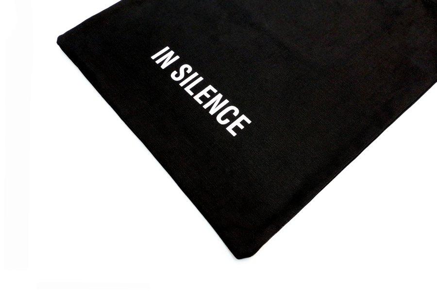 인사일런스(IN SILENCE) 로고 에코백 BLACK