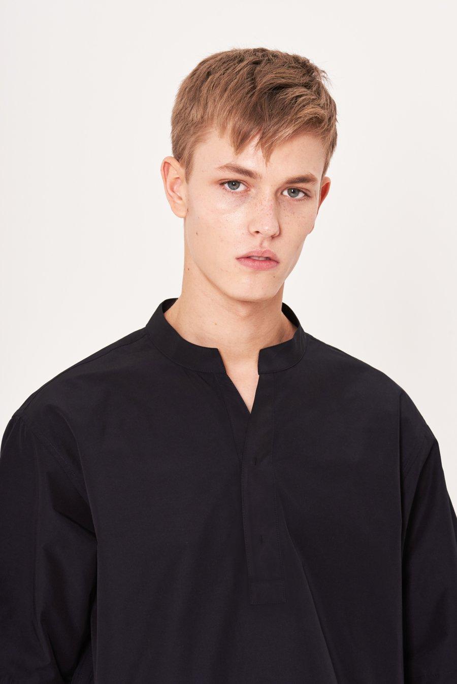 인사일런스(IN SILENCE) 노치넥 튜닉 셔츠 DARK NAVY