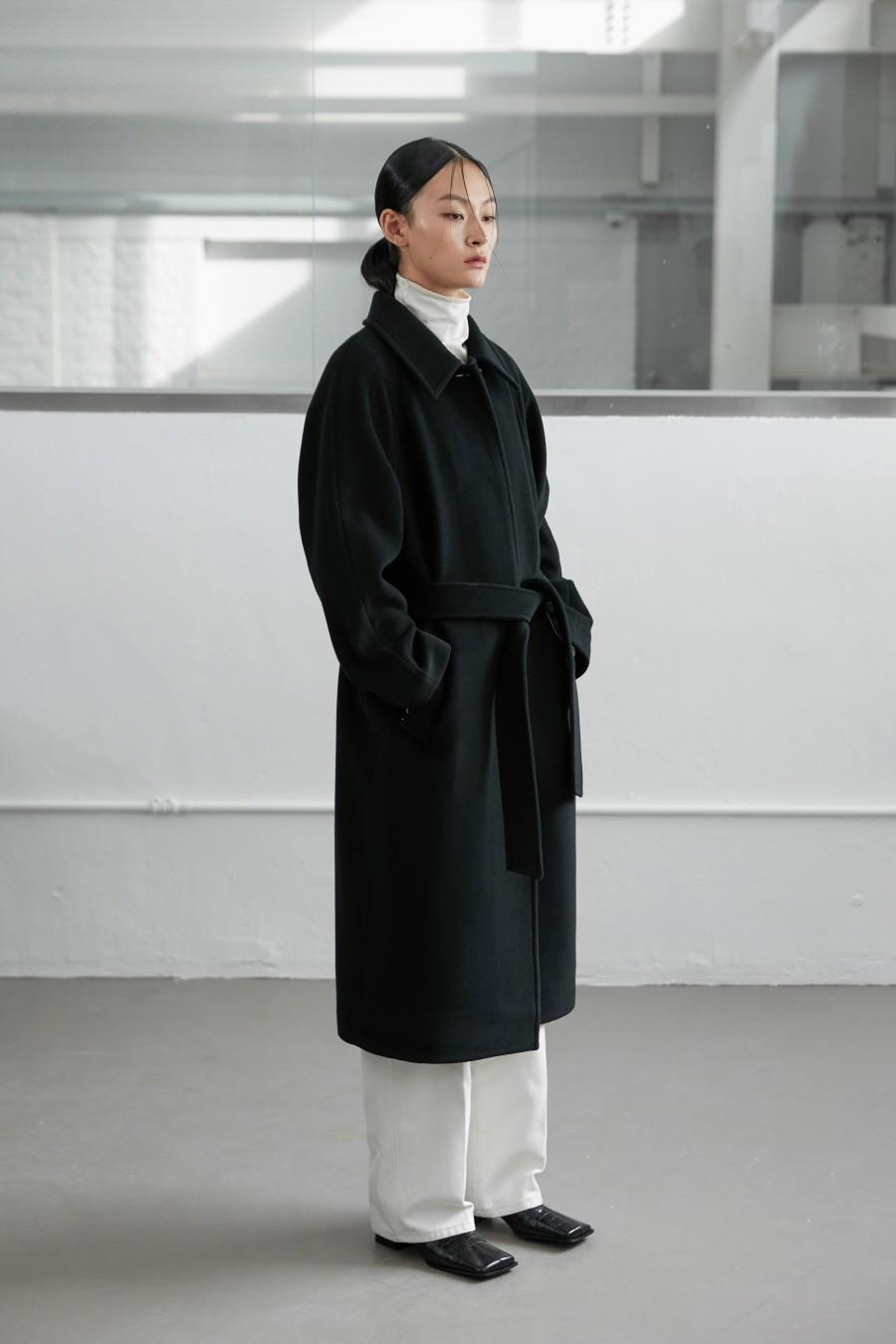 인사일런스 우먼(INSILENCE WOMEN) 캐시미어 블렌드 로브 코트 BLACK