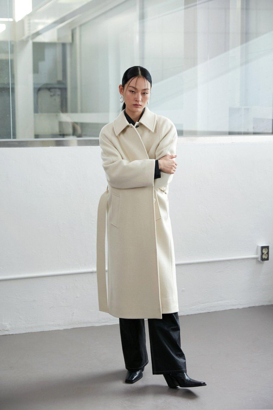 인사일런스 우먼(INSILENCE WOMEN) 캐시미어 블렌드 로브 코트 CREAM