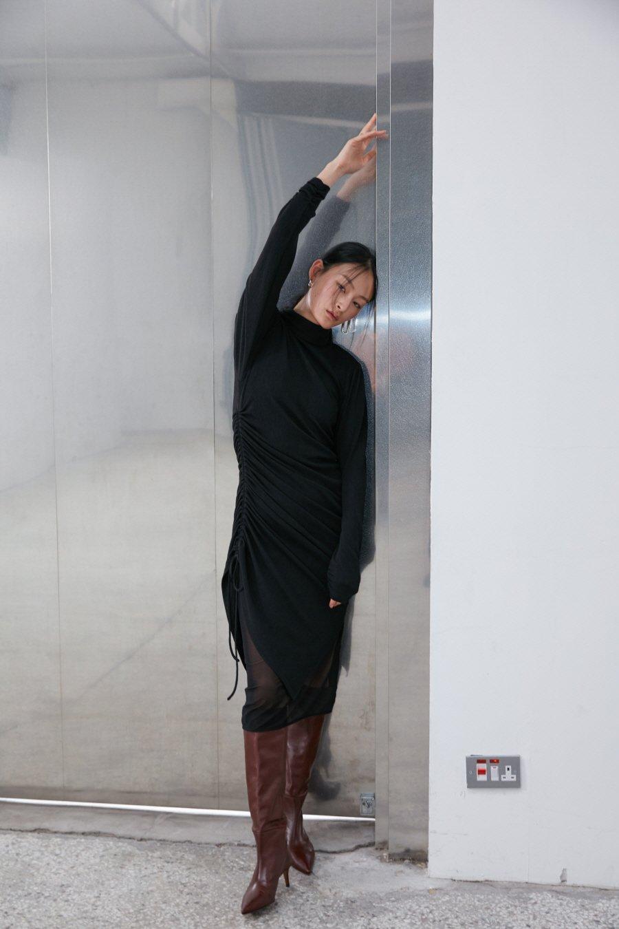 인사일런스 우먼(INSILENCE WOMEN) 더블 레이어 저지 드레스 BLACK