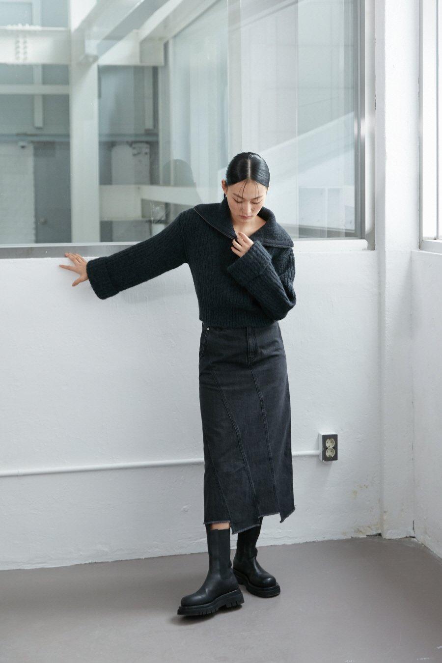 인사일런스 우먼(INSILENCE WOMEN) 알파카 하프 지퍼 풀오버 CHARCOAL