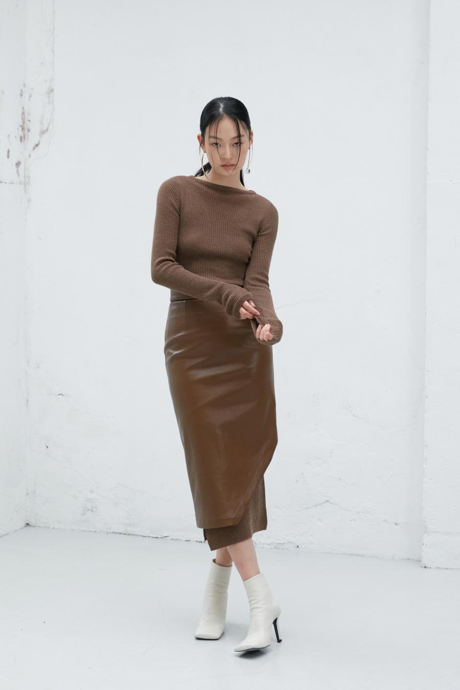 인사일런스 우먼(INSILENCE WOMEN) 보트넥 니트 롱 드레스 MELANGE BROWN