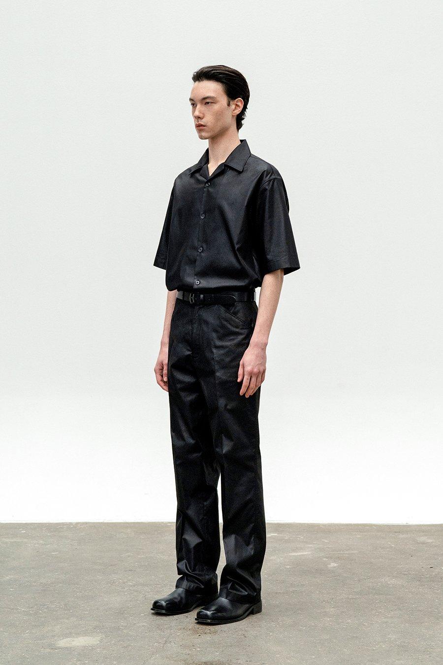 인사일런스(IN SILENCE) 코티드 코튼 숏 슬리브 셔츠 BLACK