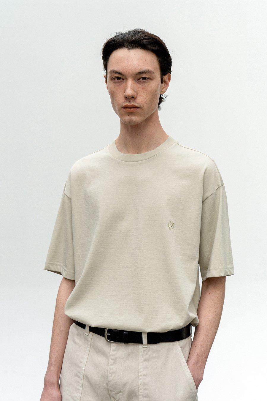 인사일런스(IN SILENCE) 엠브로이더리 로고 티셔츠 GREY BEIGE
