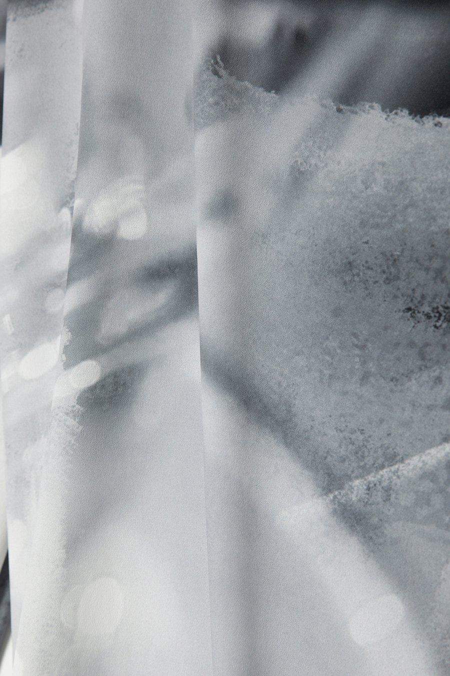 인사일런스 우먼(INSILENCE WOMEN) 스트랩 블라우스 BLACK